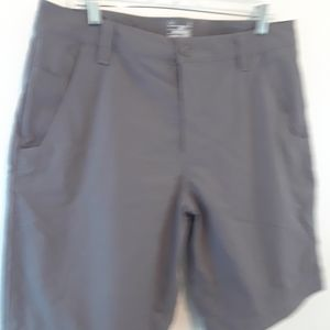 Under Armour men's golf casual shorts